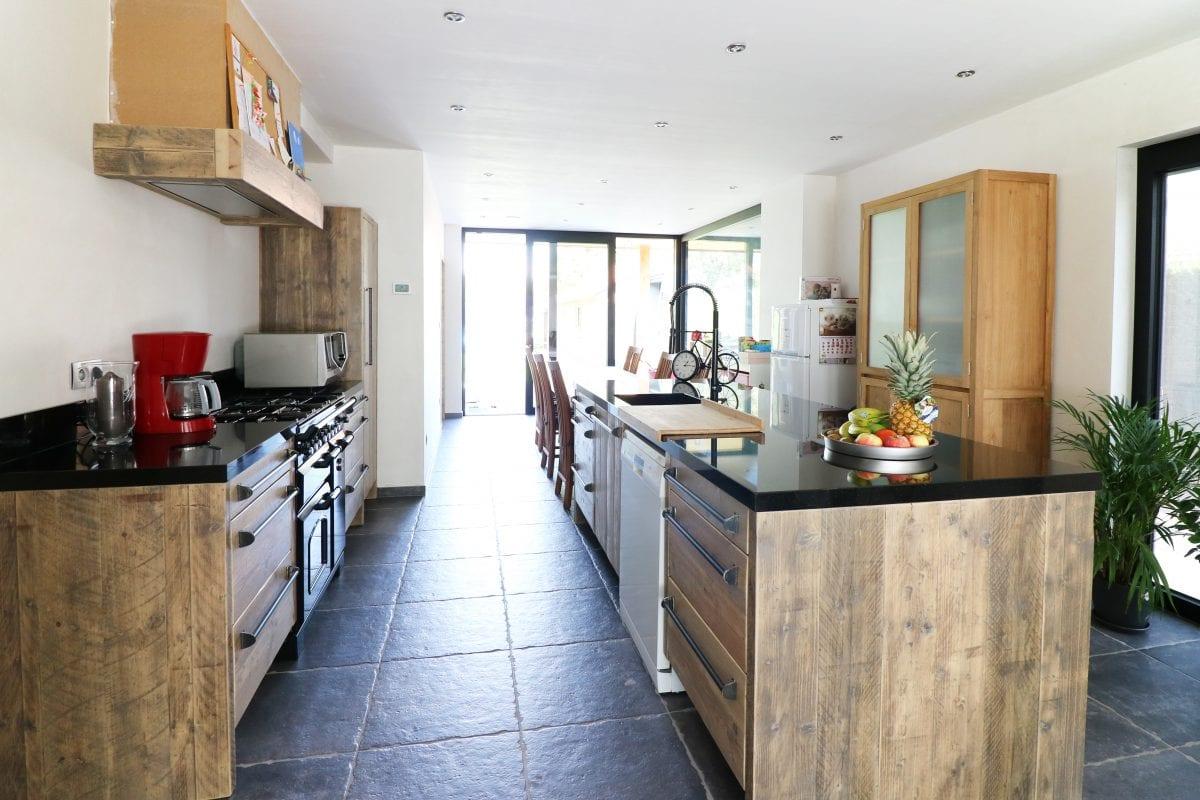 Maatwerk keuken met eettafel   Esgrado